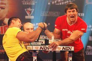 Armwrestling-Wettbewerb - Taras Ivakin VS Devon Larratt, Dubai 2006