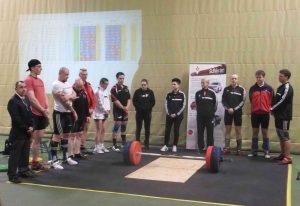 Die Athletinnen und Athleten im Gruppenbild