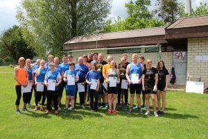 Gruppenbild Bezirksmeisterschaften im Rasenkraftsport 14.05.2017
